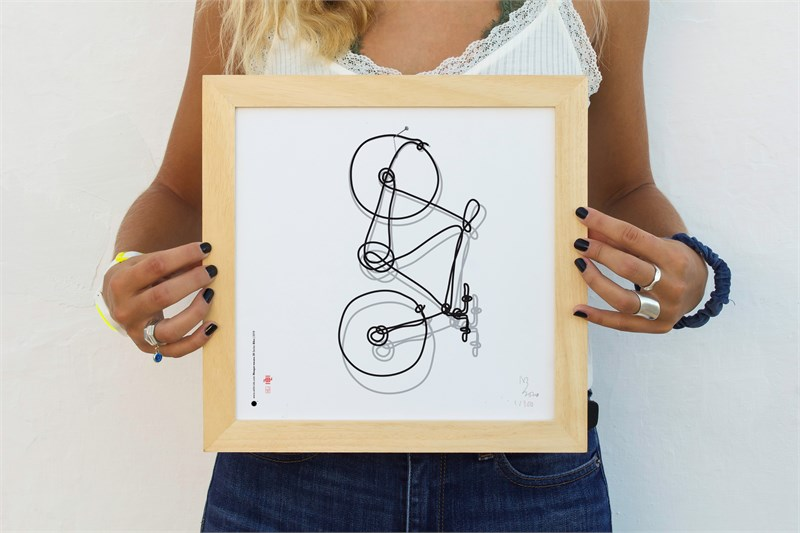 The bicycle in Melina's hands